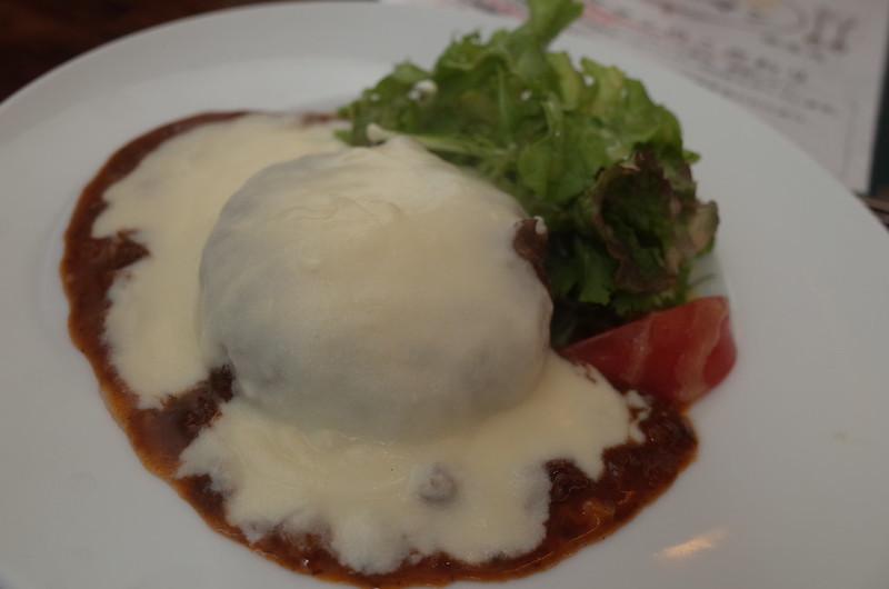 銀座一丁目肉バルバーグマンマッシュチーズ デミグラスソース完成