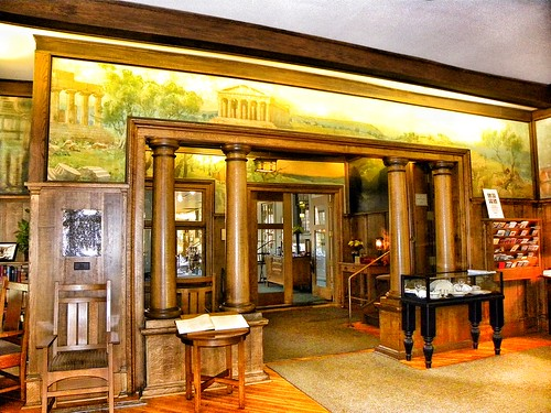 East Aurora Ny ~ Roycroft Inn ~  Historical Arts Crafts Building ~  Lobby -  Check In