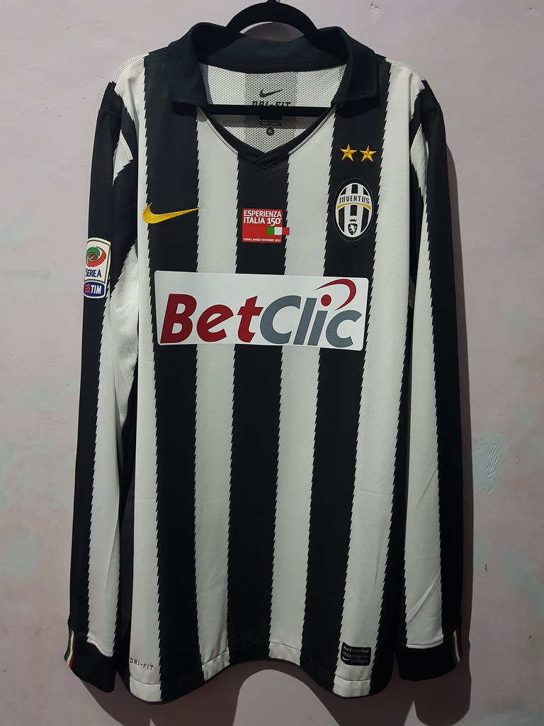 purchase cheap 42ad0 8d1db Jersey Juventus 2010-2011 Home Serie-A - Download Photo ...