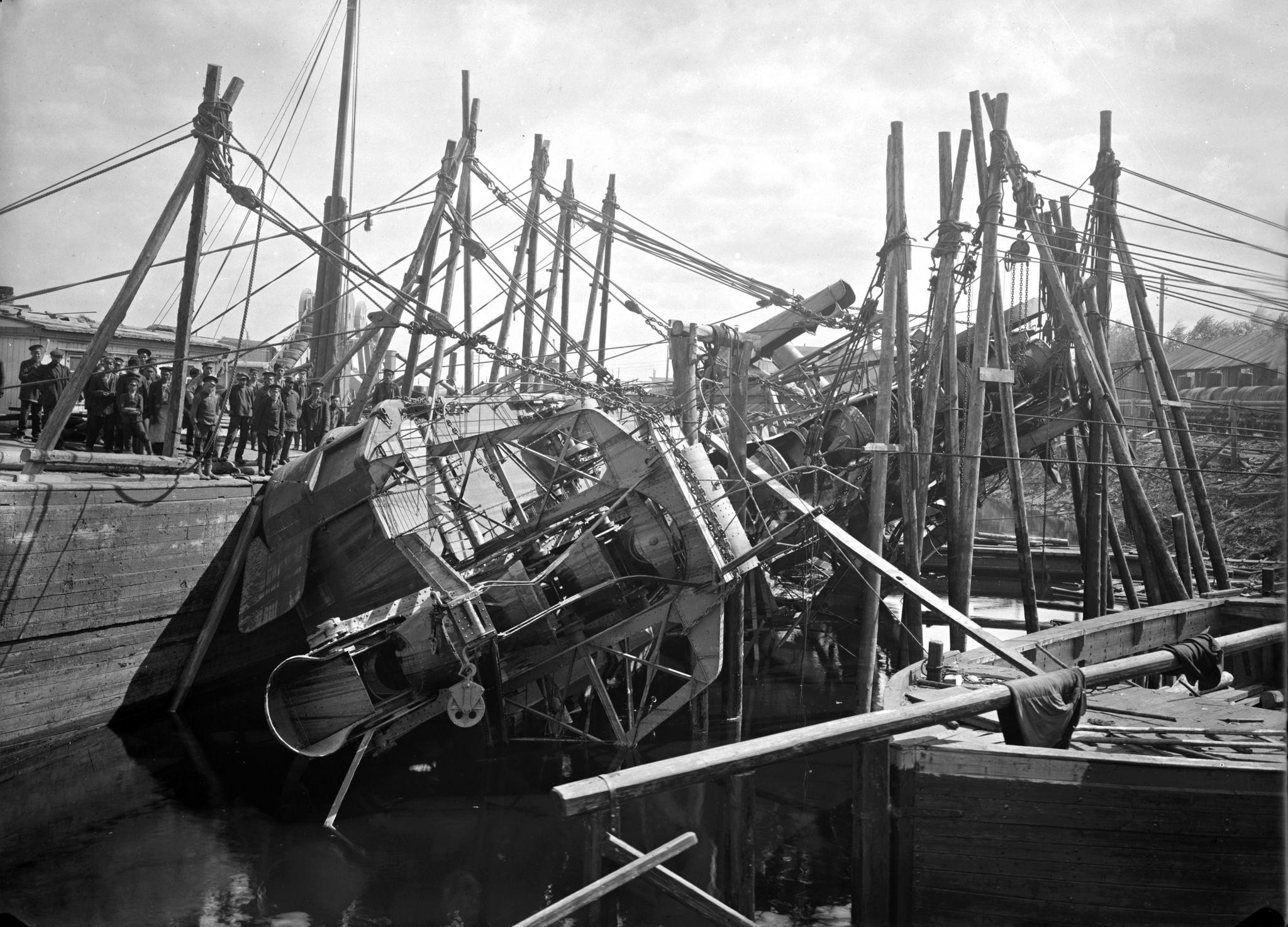 Сормовский комбинат, спасение затонувшего земснаряда, 1915