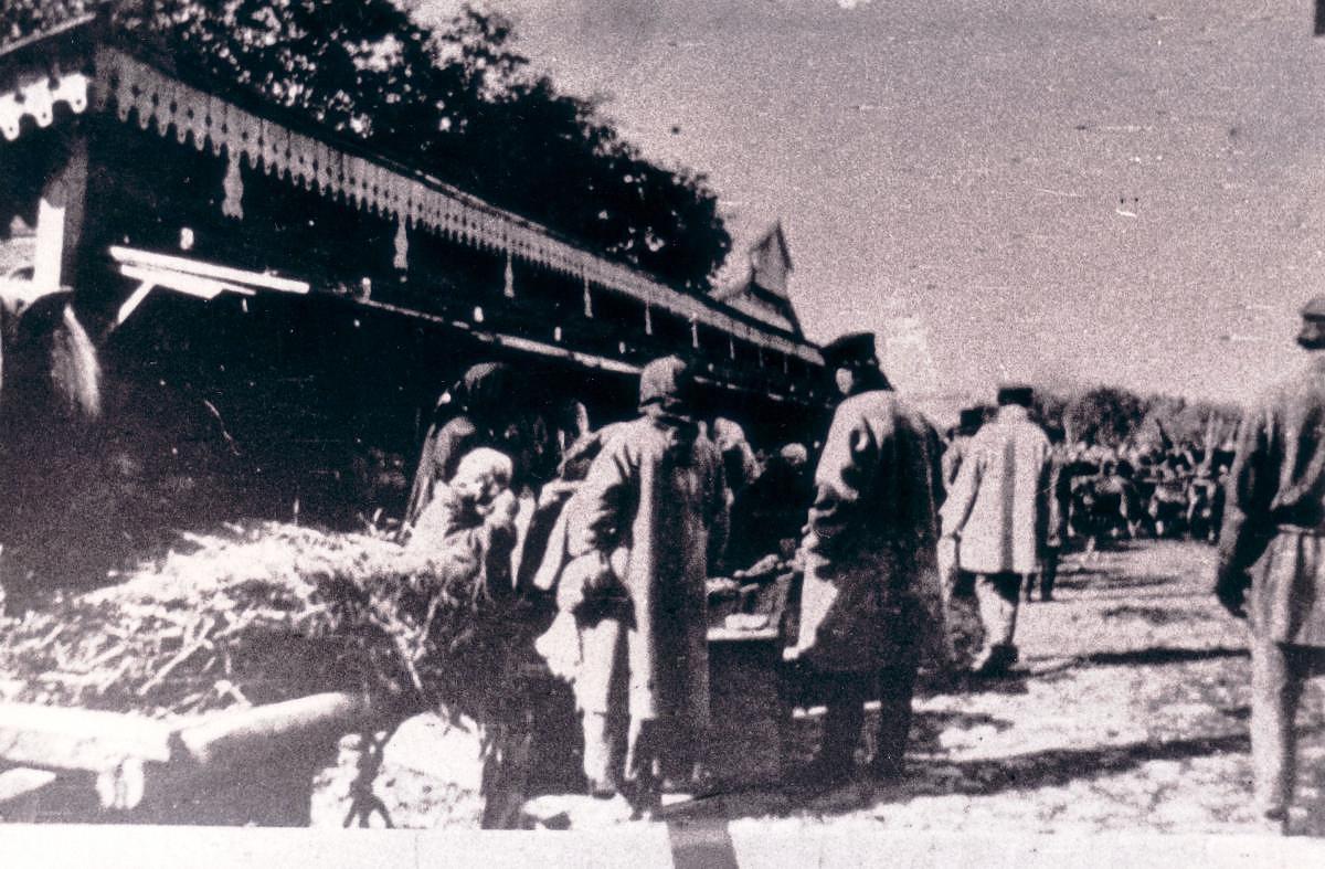 Конная площадь в базарный день