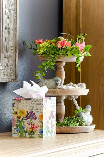 Decoupage-on-Wood-DIY-Tissue-Box