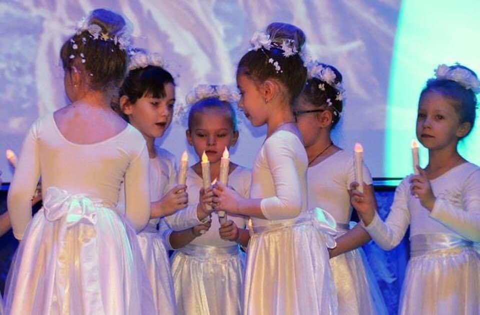 Среди школ ТиНАО подведены итоги VI конкурса ученического творчества «Под рождественской звездой»