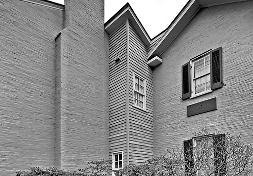 Inside the courtyard DSC_0322_bw