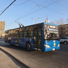 蘇聯化的另一特色-電纜公車 【浪游旅人】https://ift.tt/1zmJ36B #bacpackerjim #streetview #cablebus #bus #sovietisation #ulaanbaatar #mongolia #Улаанбаатар #монголулс