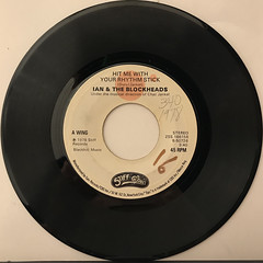 IAN & THE BLOCKHEADS:HIT ME WITH YOUR RHYTHM STICK(RECORD SIDE-A)