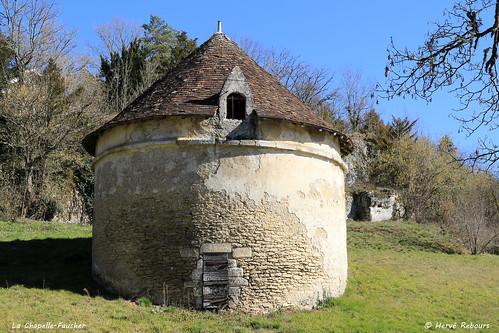 24 La Chapelle-Faucher - Pigeonnier Château