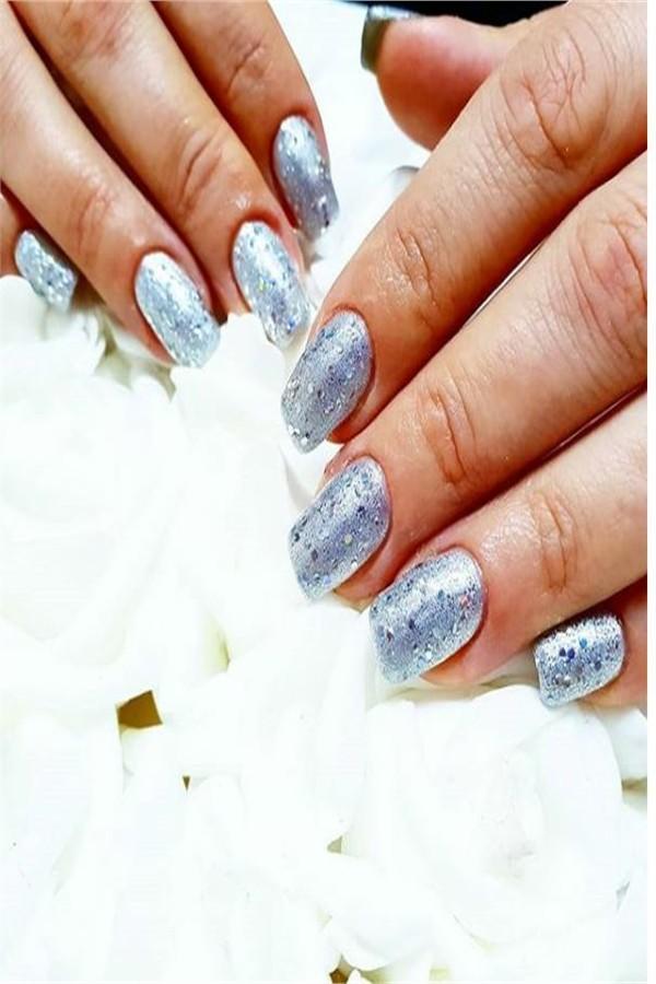 30+ perfect Metallic Nail Art Designs 2019 #metallic_nails #nail_art_designs #winter_nails #holiday_nails