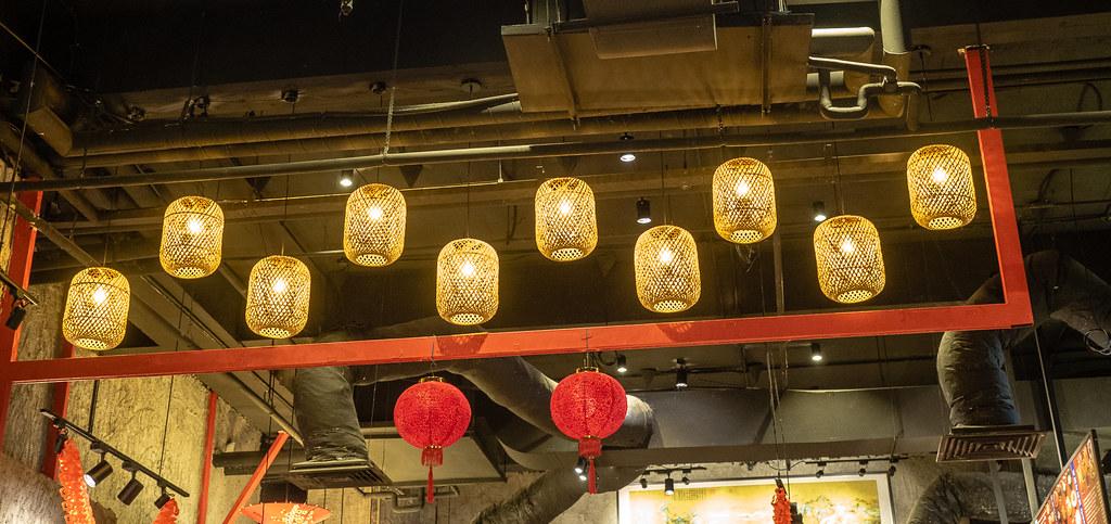 Lantern in House of Pok (小猪猪)
