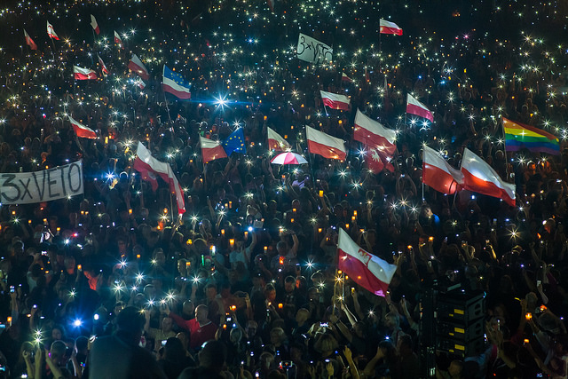 Chain of Light protest 2017, Poland