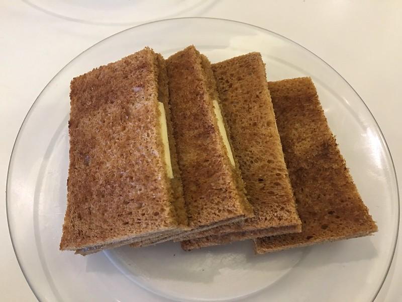 Kopi Roti, Tomas Morato