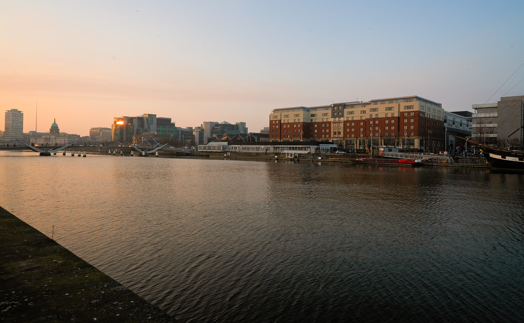 SUNSET IN THE DOCKLANDS 013