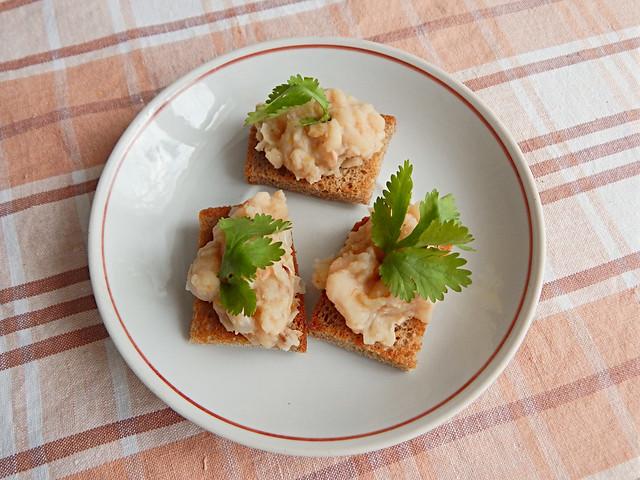 Паштет из фасоли по рецепту из Книги о вкусной и здоровой пище | HoroshoGromko.ru