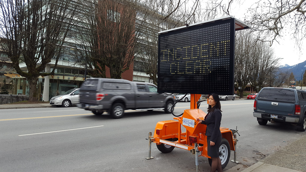 New digital message signs on busy North Shore routes will help traffic flow, prevent secondary collisions and lower gas emissions.
