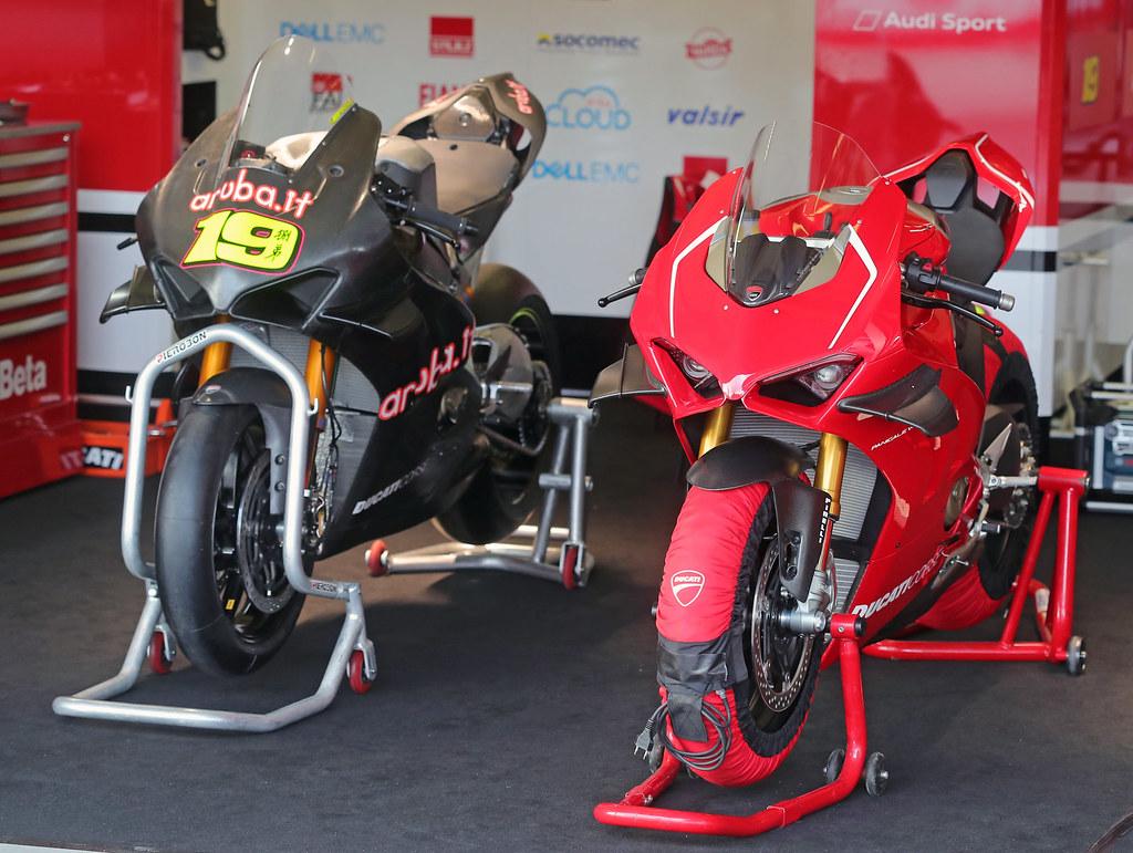 Ducati 1000 Panigale V4 R 2019 - 30