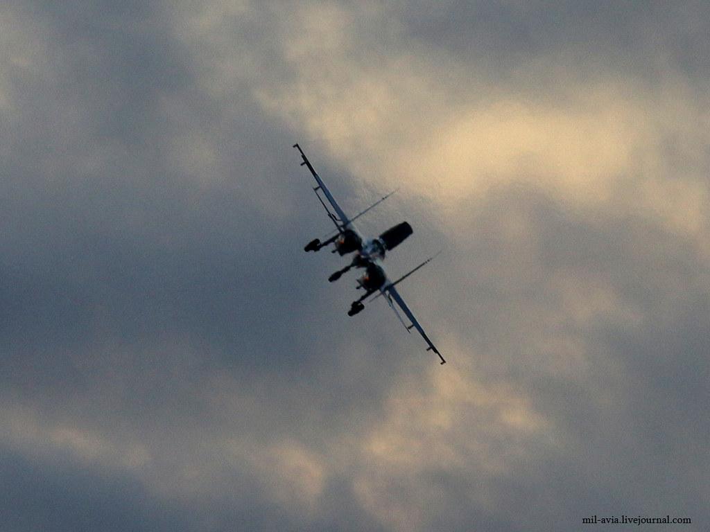 Su-27 landing