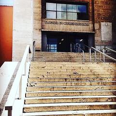#Buongiorno Sapienza con una foto dell'Edificio di Giurisprudenza di @giu.campagn ・・・ #Repost: «Oggi si studia! E voi? :books: #sapienza #giurisprudenza #students» ・・・ #repostSapienza #ImmaginiDallaSapienza di #studentiSapienza #EdGiurisprudenza_Sapienza