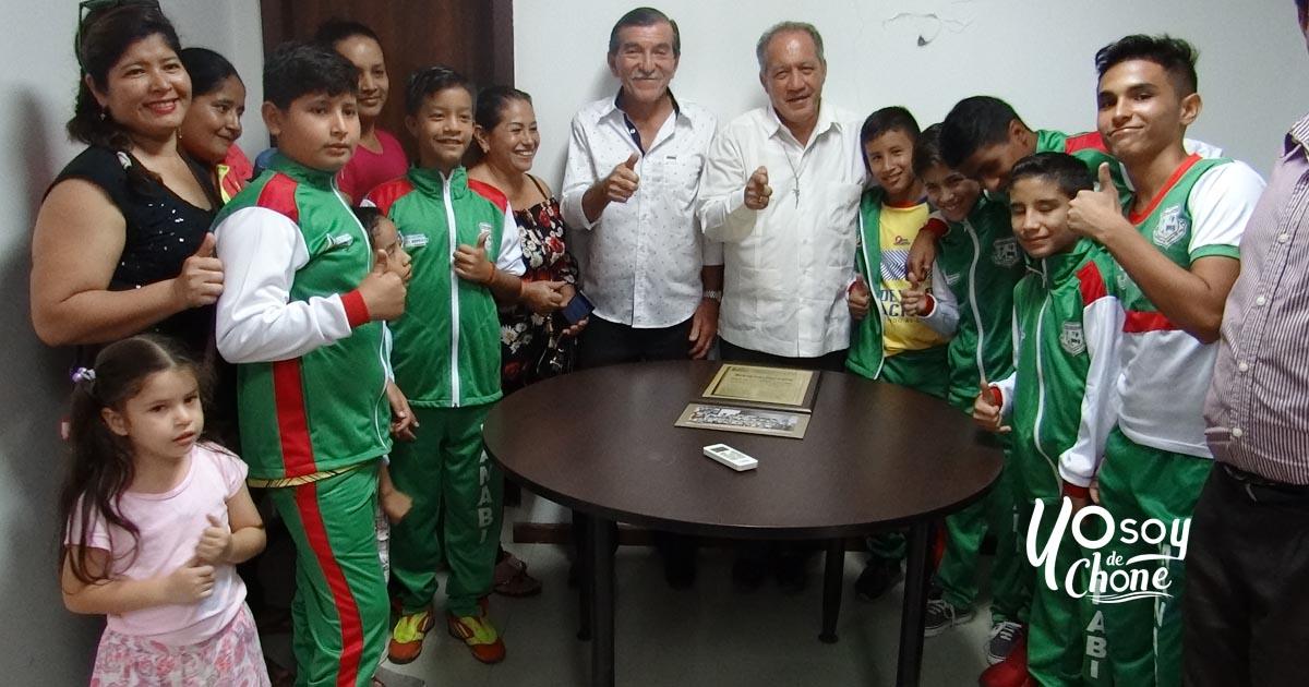 Alcalde fue reconocido por deportistas