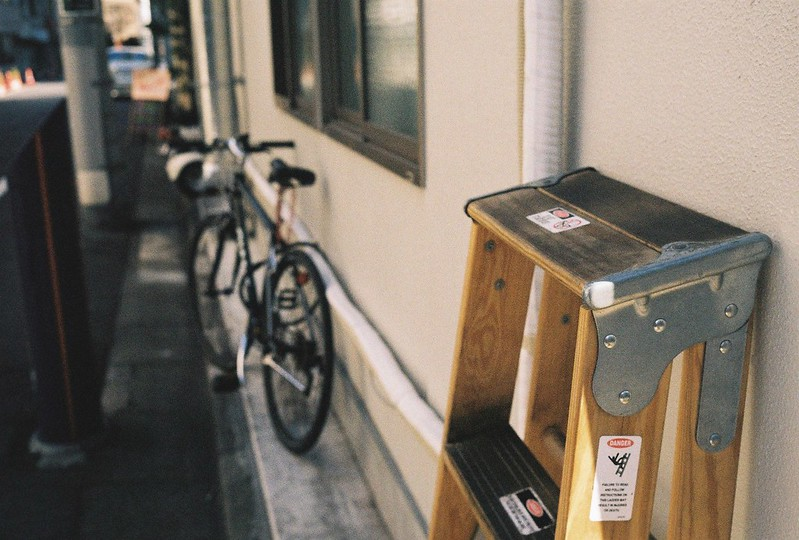 Leica M2+Leitz Summicron 35mm f2 0+Kodac Ultramax 400銀座一丁目路地のお店