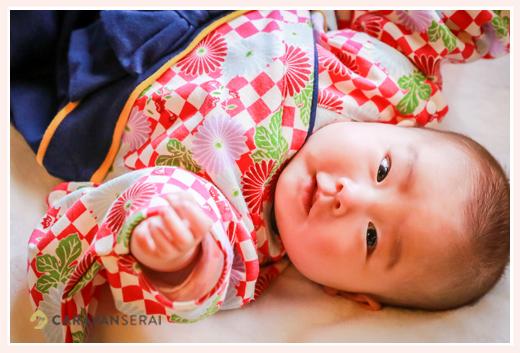 女の子赤ちゃん 着物風ロンパースでコーデ にっこり笑顔がかわいい