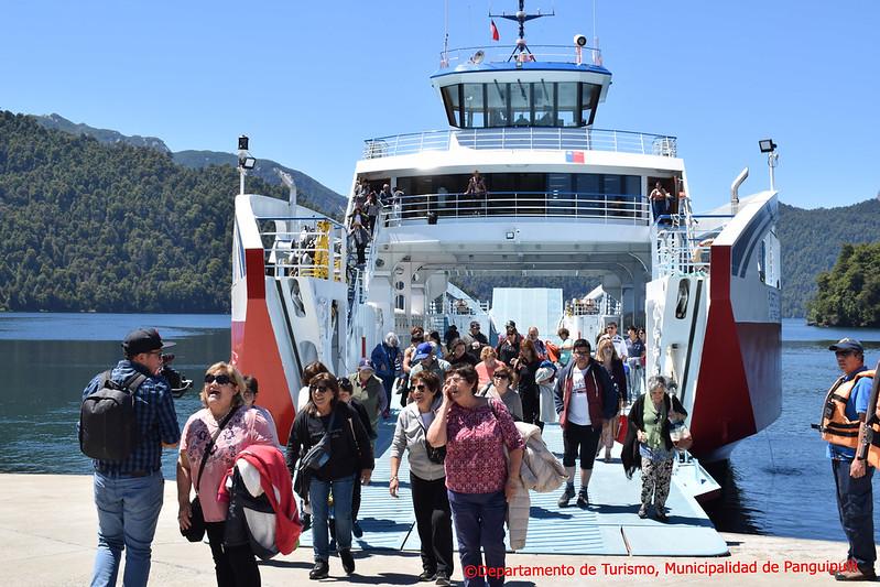 Barcaza Puerto Fuy 1