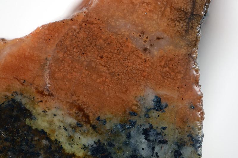 マン鉄石榴石 / Calderite