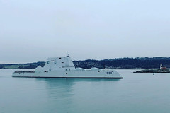 USS Zumwalt (DDG 1000) approaches Canadian Forces Base Esquimalt, March 11. (Royal Canadian Navy photo)