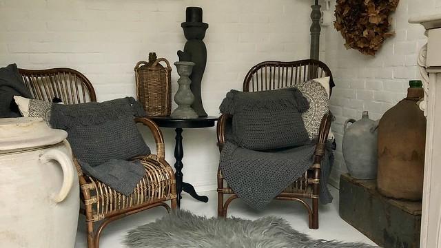 Rotan stoelen tuinhuis