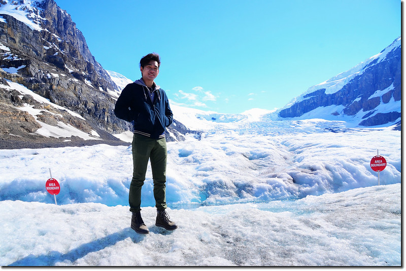 On Athabasca Glacier (8)