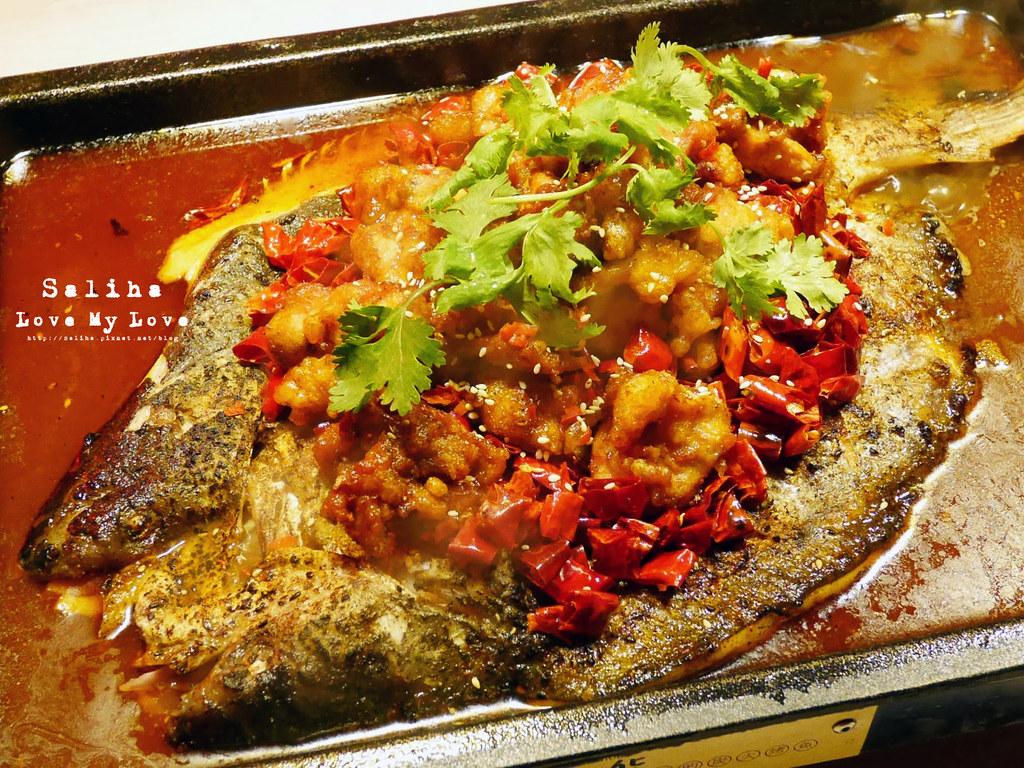 台北水貨炭火烤魚小巨蛋店火鍋餐廳好吃ig打卡推薦超厲害海鮮蝦子火鍋 (8)