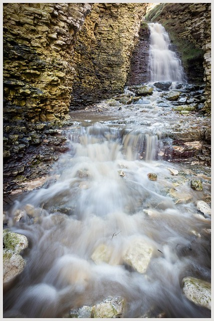 Thornwick Bay waterfall, Canon EOS 80D, Canon EF-S 10-18mm f/4.5-5.6 IS STM