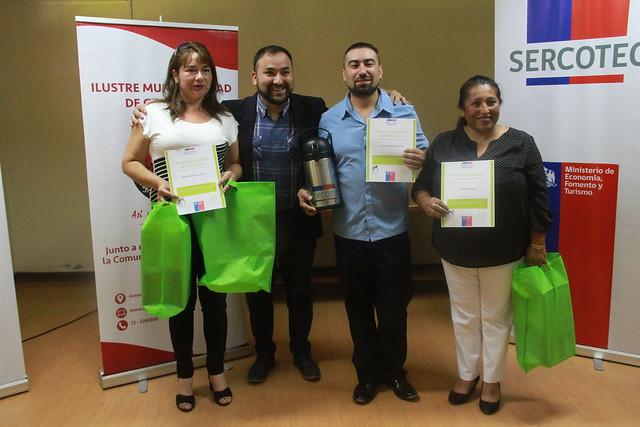 Feriantes de Coltauco se capacitan y reciben apoyo para sus emprendimientos