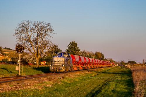 27 mars 2019 92 87 4185 005-3 Train K4 RVB Bergerac -> Libourne Saint-Magne-de-Castillon (33)