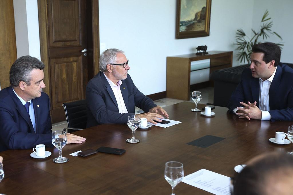 Assinatura de Termo de Cooperação entre Sistema Fiep e Agência Paraná de Desenvolvimento