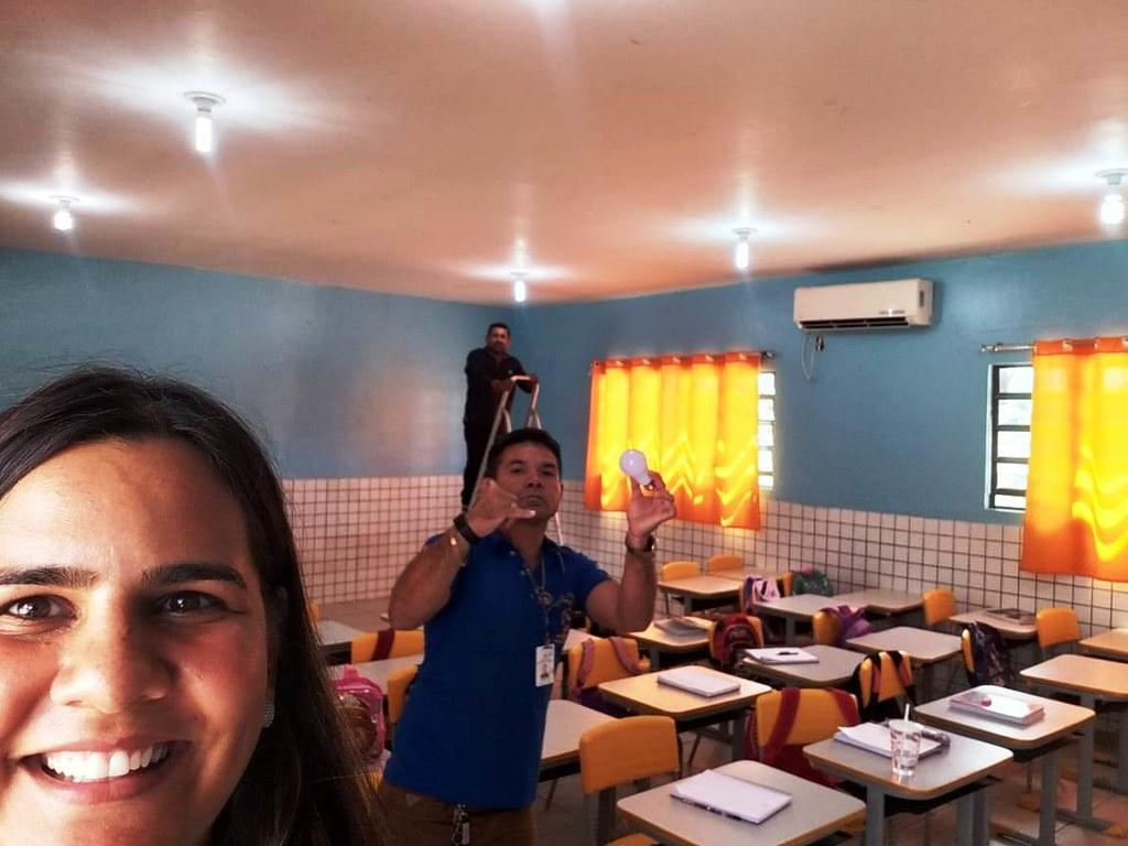5 rapidinhas. Lâmpadas em Prainha, Merabet na Semas, hoje é dia de eleição na Acorjuve...  , Lâmpadas em Prainha