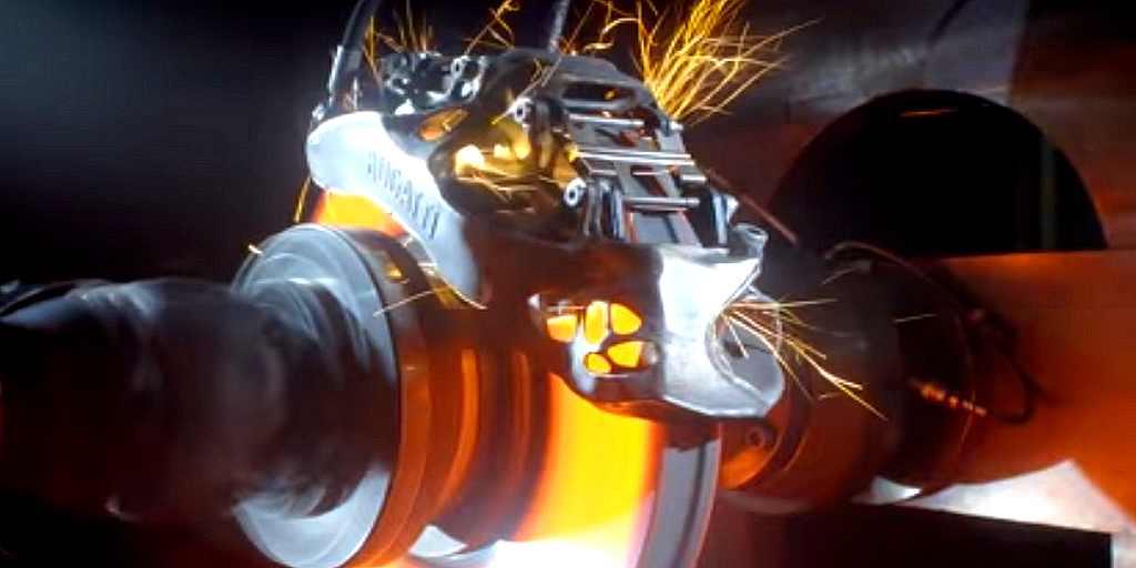 Regardez Bugatti tester le premier frein étrier imprimé en 3D