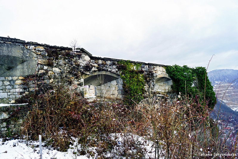 Стена крепости, вид снаружи