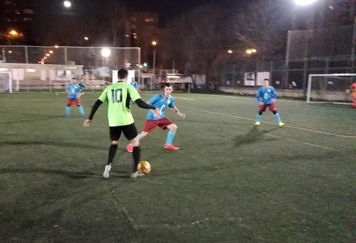Carlos Armesilla encara a un rival