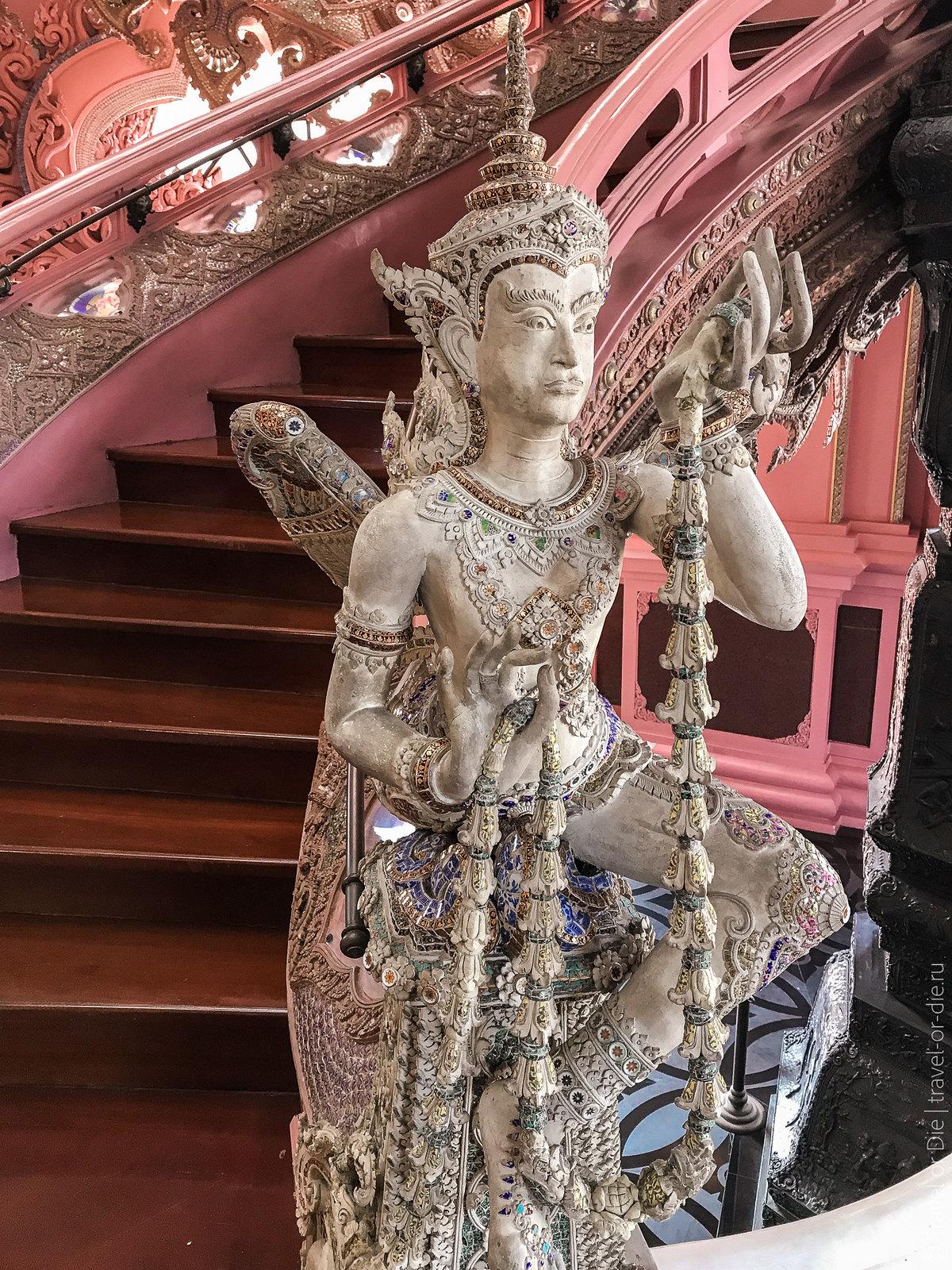 Erawan-Museum-Bangkok-iphone-9693