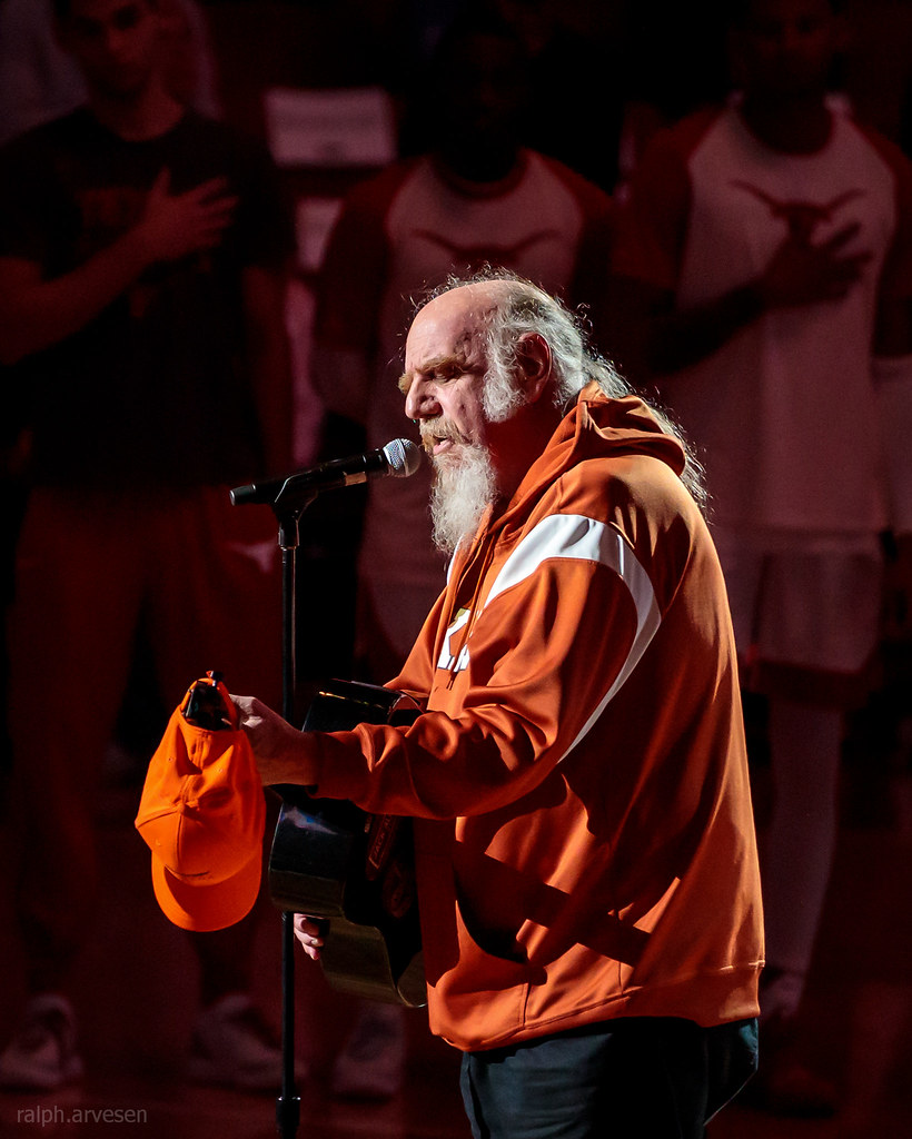 Texas Longhorns Basketball | Texas Review | Ralph Arvesen