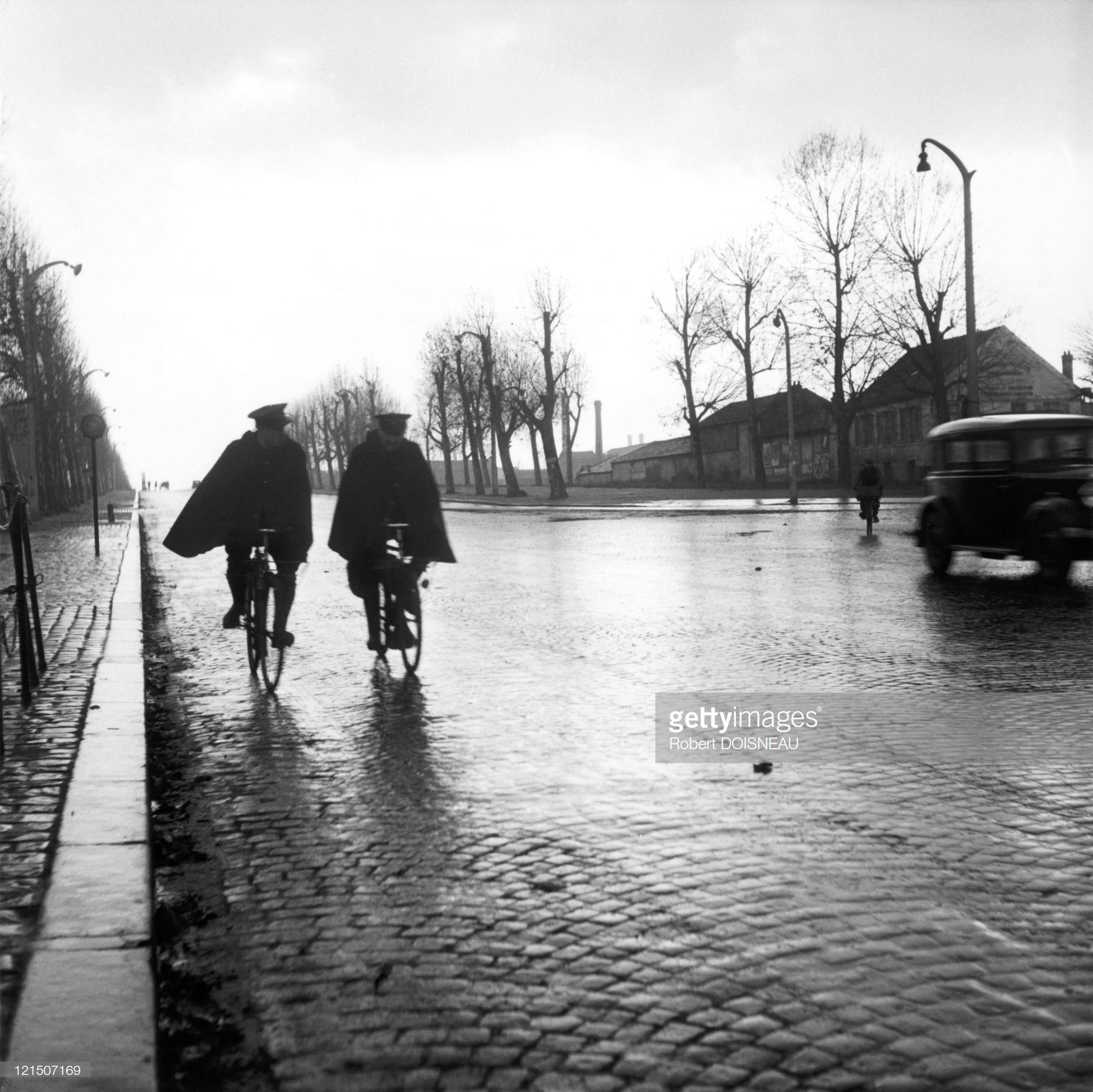 Французские полицейские на велосипедах