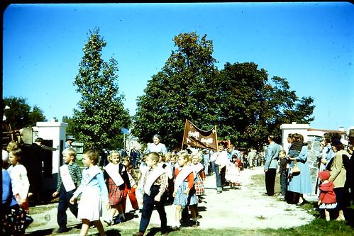 RF1056 153 Bayf Junior Class Vina Parker on Parade 1956