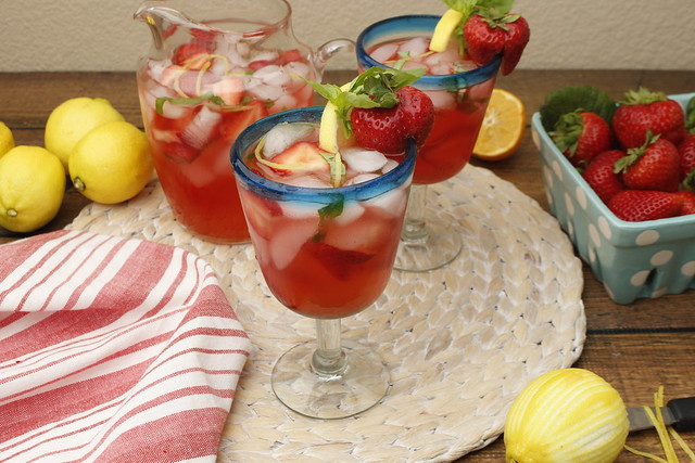 Strawberry-lemon-basil-margarita (2)
