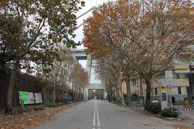 Genova, al confine con la zona rossa