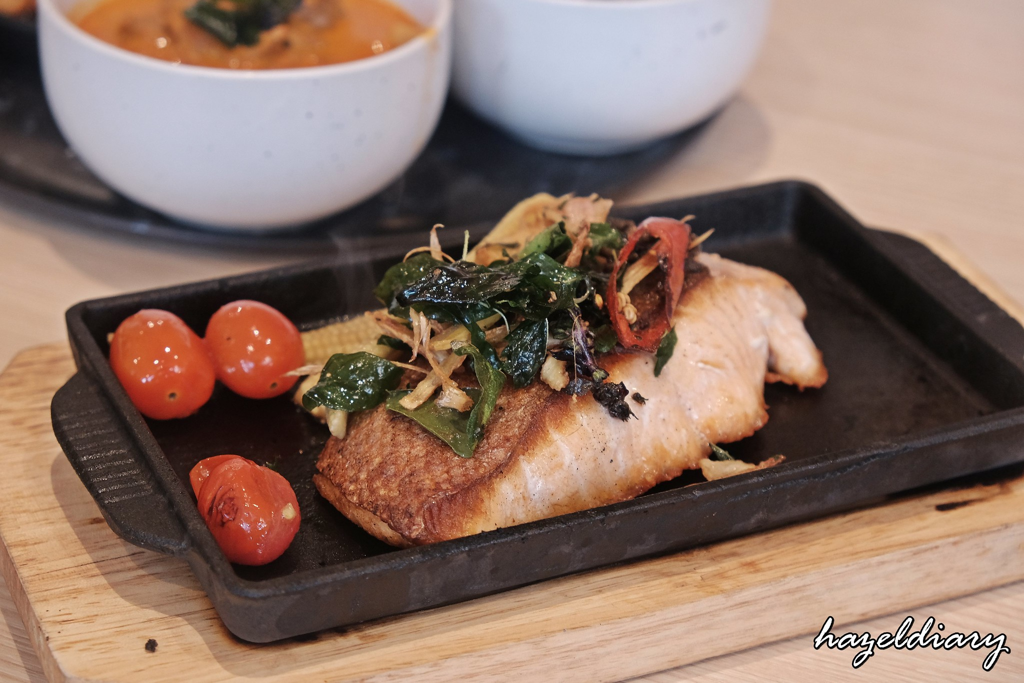 Baan Ying-Pan-fried Salmon