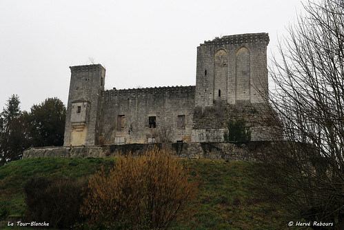 24 La Tour-Blanche - Château XII XII XVI