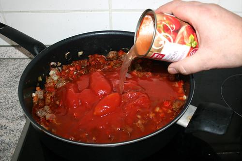 31 - Halbe Dose Wasser dazu gießen / Add half can of water