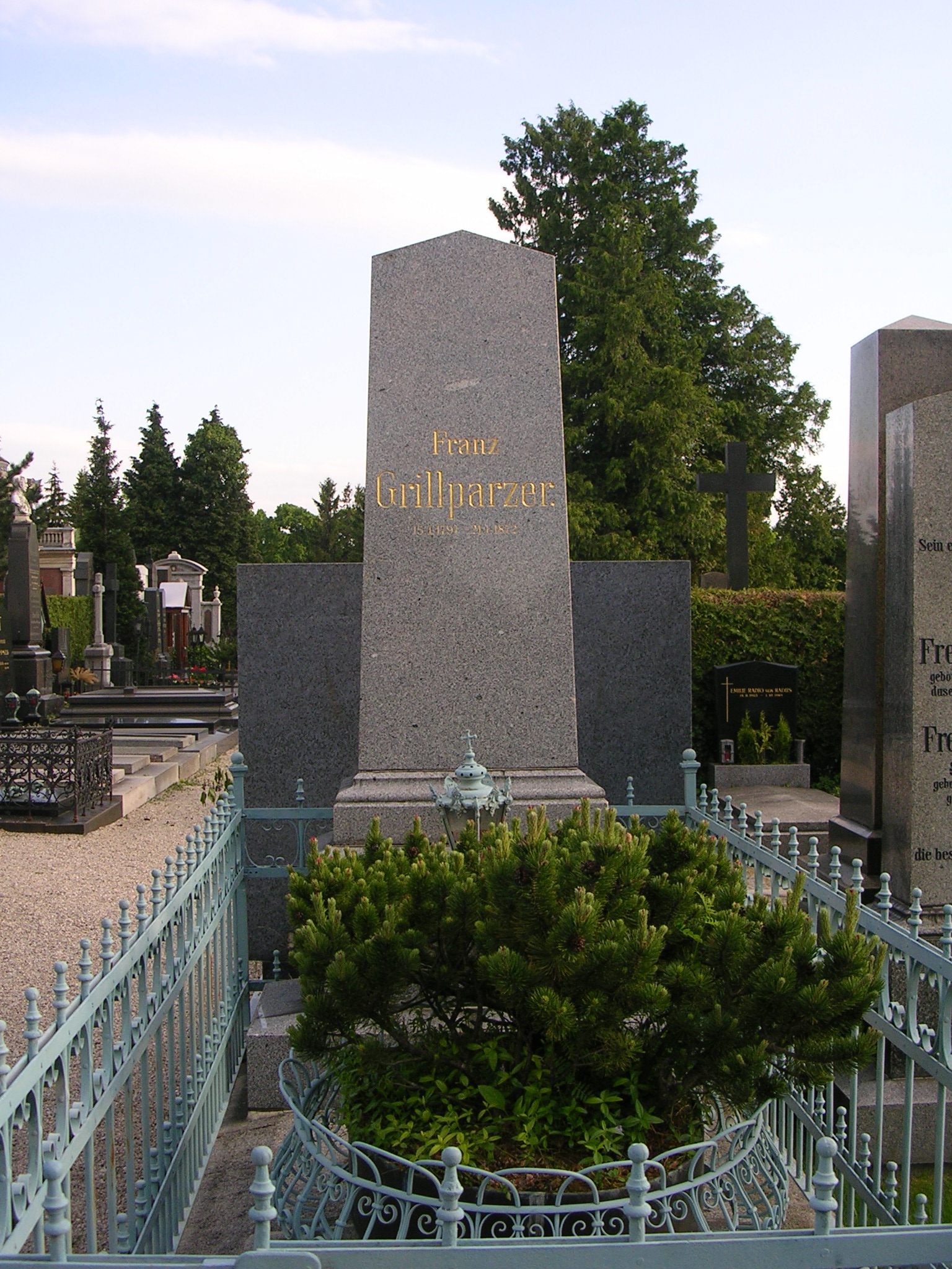 Franz Grillprazer's gravestone at Heitzinger Cemetery in Vienna, Austria. Photo taken by Michael Kranewitter on May 12, 2005.