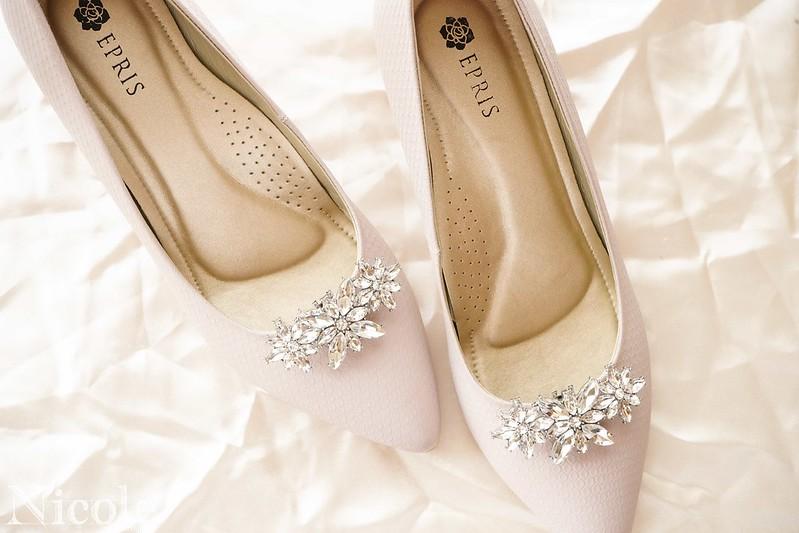 女鞋穿搭飾釦