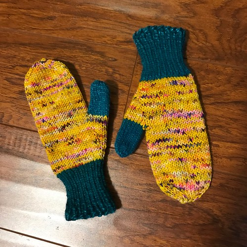 Love these mitts Sandi knit using Hedgehog Sock in Fool's Gold